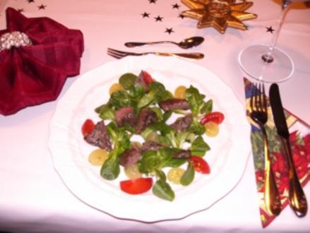 Gänseleber auf Feldsalat mit marinierten Weintrauben - Rezept