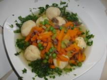 Suppe : Grießklößchen-Eintopf mit viel Gemüse und Rindfleisch - Rezept
