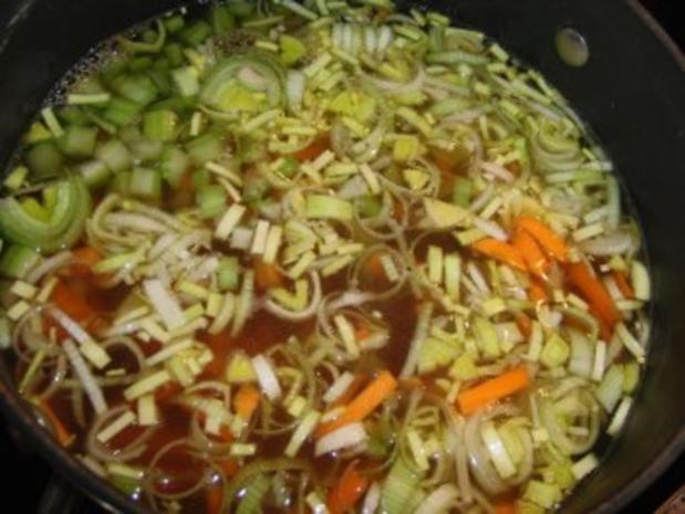 Suppe : Grießklößchen-Eintopf mit viel Gemüse und Rindfleisch - Rezept - Bild Nr. 4