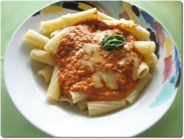 Gazpacho-Sahne-Mozzarella-Sauce zu Nudeln - Rezept - Bild Nr. 3