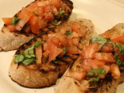 Bruschette mit Kirsch-Tomaten und Basilikum - Rezept - Bild Nr. 9