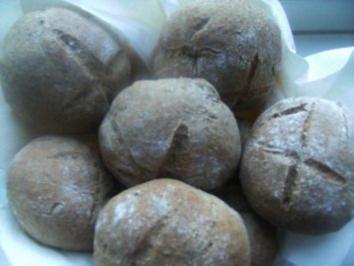 Roggen-Vollkorn-Brötchen, ein gelungener Versuch - Rezept