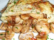 Kräuter - Omelette mit Champignon - Tomaten - Füllung - Rezept