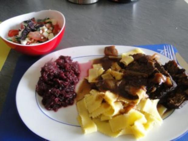Rinderbraten (Bug) gespickt mit Knoblauch - Rezept