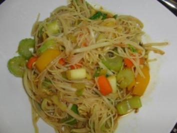 Gemüse : Gemüsepfanne mit Sprossen und Glasnudeln - Rezept