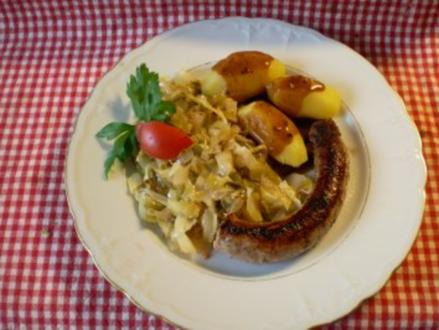 Spitzkohl a la Bayrisch Kraut mit Bratwurst - Rezept