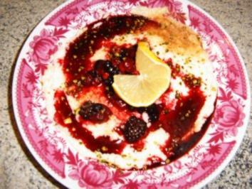 Grießbrei mit roten Beeren - Rezept