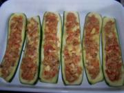 Gefüllte Zucchini - kalorienarm - Rezept