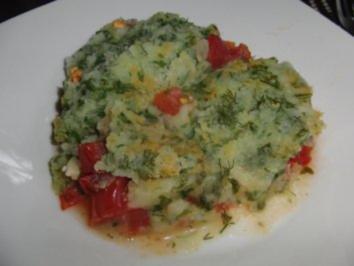 Fisch : Fischfilet-Auflauf auf Tomaten (matratze) und Kartoffel (zudecke) - Rezept