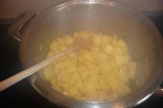 Eintopf: Bohnen, Kartoffeln, Tomaten und Schinkenknacker - Rezept - Bild Nr. 2