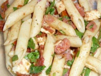 Nudelsalat nach italienischer Art - Rezept