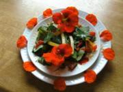 Hähnchenbrust- Salat mit Mango & Kapuzinerkresse - Rezept