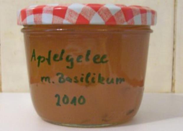 Einmachen: Apfel-Gelee mit Basilikum - Rezept
