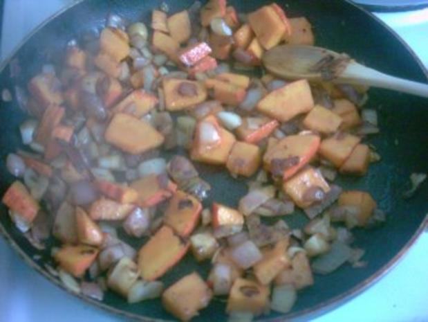 Kürbis - Gorgonzola - Soße zu Pasta - Rezept - Bild Nr. 3