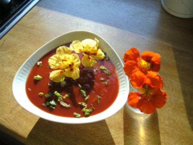 Bloody- Mary Party- Suppe-Cocktail aus der Suppenschüssel - Rezept - Bild Nr. 2