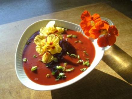 Bloody- Mary Party- Suppe-Cocktail aus der Suppenschüssel - Rezept