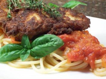 Rezept: Schweinelende in Bergkäse-Ei-Hülle zu pikant-fruchtiger Tomatensauce auf Pasta