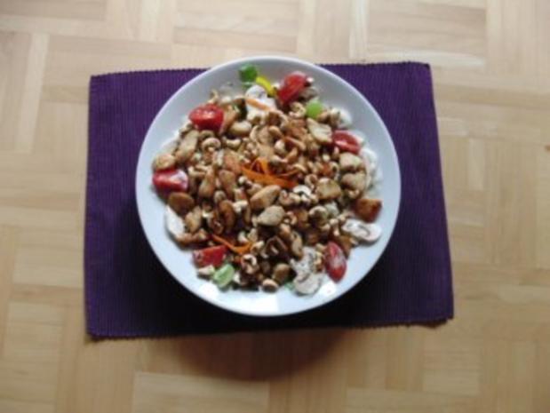 Salat mit gebratenen Putenstreifen - Rezept - Bild Nr. 5