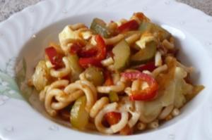 Pfannengericht: Gemüse mit Gabelspaghetti - Rezept
