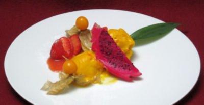 Erdbeeren mit Mango-Sorbet - Rezept