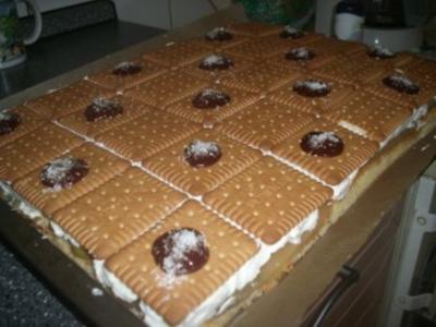 Stachelbeer-Butterkeks-Kuchen vom Blech - Rezept