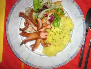 Wienerle mit Kartoffelsalat neu präsentiert - Rezept