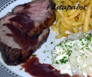 Schweinenackenbraten mit Rotweinsauce - Rezept