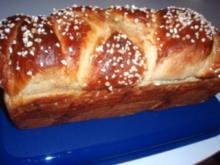 Zopf & Co: Hefezopf mit Mandeln - Rezept
