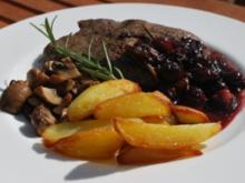 Rindersteaks in Heidelbeer-Balsamico-Sauce - Rezept