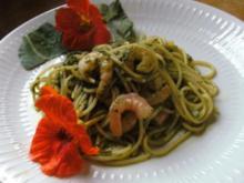 Spaghetti mit Spinat- Knobi-Piniekerne und Garnelen - Rezept