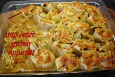 Muschelnudeln gefüllt mit Hähnchenragout - Rezept