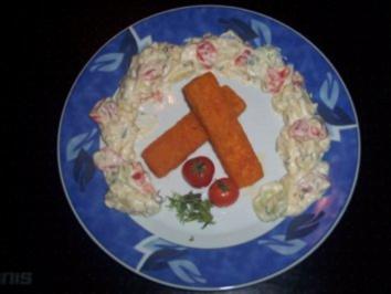 Fischstäbchen mit buntem Kartoffel-Gemüsesalat - Rezept