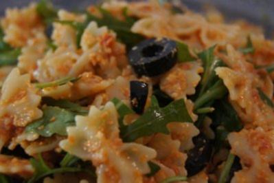 Rezept: Rucola-Pesto-Nudelsalat