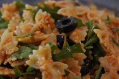 Rucola-Pesto-Nudelsalat - Rezept