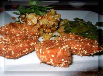 Weißwurst im Sesam-Mantel mit Sesamkartoffeln und Zuckerschoten - Rezept
