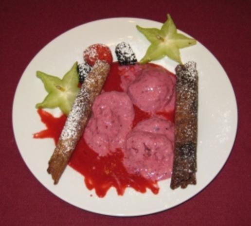 Krüllkuchen mit Halbgefrorenem - Rezept