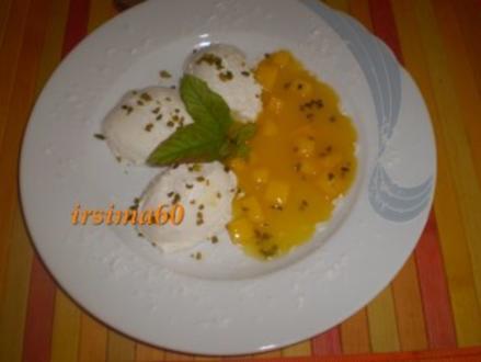 Kokos-Mousse an Mangosauce - Rezept