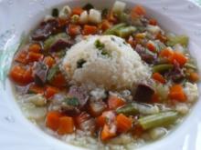 Suppe: Rindfleischsuppe mit Gemüse - Rezept
