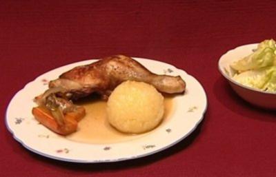 Bayrische Kartoffelklöße mit brauner Soße, Gemüse und Huhn (Marusha) - Rezept