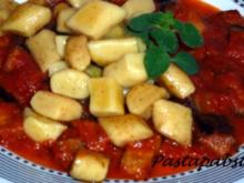 Gnocchis mir Auberginen-Tomatensugo - Rezept