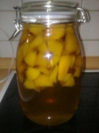 Pfirsiche in Weinbrand - Rezept