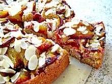 Amaretto - Zwetschgenkuchen mit Mandeln - Rezept