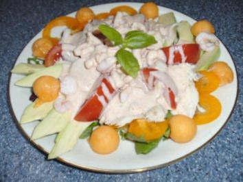 Salatteller mit Krabben und Räucherforelle - Rezept