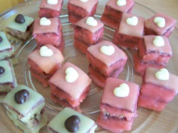 Petit fours mit Holundergelee-Füllung - Rezept