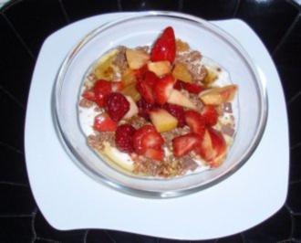 Vitaminreiches Frühstück - Obstsalat und Früchtemüsli - Rezept