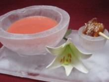 Geeiste Gazpacho von der Wassermelone mit Ingwer an Schwertfisch-Sashimi - Rezept