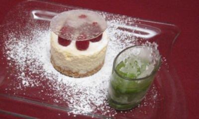 Mini-Himbeerkreation auf Ingwer-Zitronen-Mousse und Basilikumsorbet - Rezept