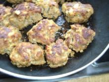 Fleischklopse- Frikadellen - Fleischflanzeln mit  Chili-Frischkäse - Rezept