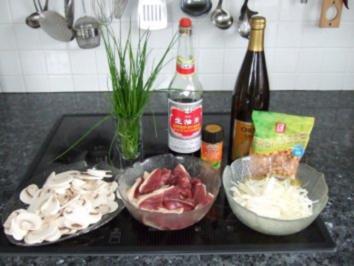 Gebratene Ente mit Erdnüssen - Rezept