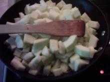 Hackfleisch-Zucchini mit Butternudeln - Rezept